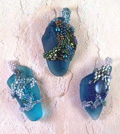 Week 12 – Three pendants by Frances Whited/Bebop Beads Seed Bead Jewelry, Sea Glass Jewelry, Beaded Jewelry, Jewellery, Beading Projects, Beading Tutorials, Beading Patterns, Handmade Beads, Diy Jewelry