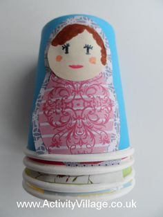 All you need for this lovely Matryoshka doll craft is paper cups, glue stick, pens and patterned paper. And of course when you are done, you can stack your dolls! Cup Crafts, Doll Crafts, Art For Kids, Crafts For Kids, Children Crafts, Russia Culture, Art Du Monde, Art Therapy Projects, Friend Crafts