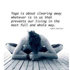 """""""Yoga ❤ é sobre tirar fora o que quer que esteja em nós impedindo nossa vivência de maneira mais completa e inteira."""""""