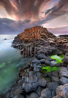 image+The+Giants+Causeway+on+The+North+Antrim+Coast,+Ireland+wallpaper