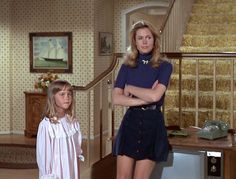 """Elizabeth Montgomery, leans on a ZENITH Television model on the set of """"Bewitched"""" © by SCREEN GEMS, Inc."""