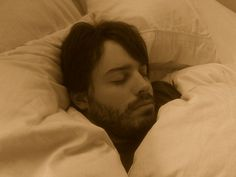 While you sleep, your brain clears out toxins that are linked to Alzheimer's Disease -
