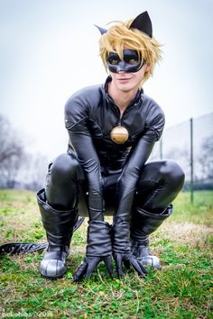 CHAT NOIR from Miraculous Ladybug! I liked Miraculous Ladybug as soon as I saw the first episode online, and I i. Latex Cosplay, Cosplay Makeup, Cosplay Costumes, Anime Cosplay, Cosplay Ideas, French Cartoons, Couples Cosplay, Ladybug Y Cat Noir, Jessica Nigri