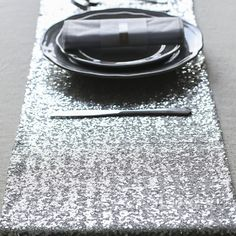Free Shipping 1PC 30cmX275cm Sparkle Glitter Gold/Silver Sequin Table Runner For Wedding Party Home Table Decoration