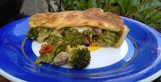Calzone di broccoletti e salsiccia e scamorza | Dolci Passioni Spanakopita, Broccoli, Biscuits, Sandwiches, Pizza, Bread, Ethnic Recipes, Food, Gastronomia