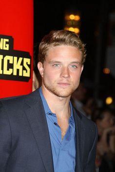 30 Hot Male Actors Under 30 in 2016