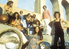 Novos Baianos em 1970, nos Arcos da Lapa, Rio de Janeiro. Veja também…