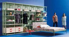 Life box 37. Dormitorio con cama origami y vestidor opened