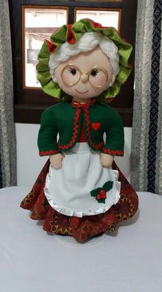1 million+ Stunning Free Images to Use Anywhere Christmas Elf Doll, Christmas Arts And Crafts, Christmas Sewing, Primitive Christmas, Christmas Tree Toppers, Felt Christmas, Christmas Projects, Christmas Stockings, Christmas Decorations