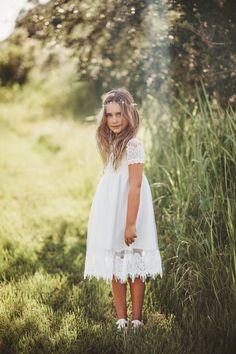 White Tulle Dress, Girls White Dress, White Flower Girl Dresses, Lace Flower Girls, Lace Flowers, Girls Dresses, Bohemian Flower Girl Dress, Merida Dress, Reversible Dress