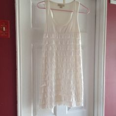 WHITE DRESS WITH RUFFLES So cute Forever 21 Dresses