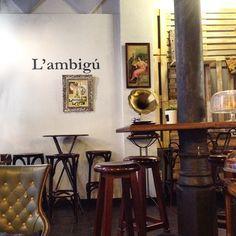 Ambigú(ïtat) ~ Passatge Tainos (Sant Antoni) || Barcelona