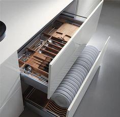 Organising kitchen drawers