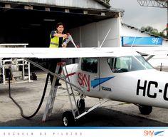 Combustible cargado y listos para continuar operaciones !  Quieres ser #piloto?   Matrículas abiertas!  Julio : #Guayaquil Agosto : #Quito  Información : info@skyecuador.com PBX 04 600 8250 o ( 0969063172 solo WhatsApp ) www.skyecuador.com