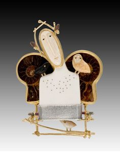 ангел с крыльями из аммонитов и совами из кости - брошка Carolyn Morris Bach
