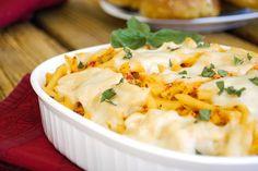 Πένες με κομμάτια κοτόπουλου, πιπεριές Φλωρίνης σε βάζο και τυριά στο φούρνο. Μια εύκολη συνταγή για ένα πολύ νόστιμο γρήγορο και απλό στη παρασκευή του υλ