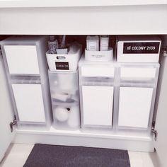 Mi-naHiさんの、バス/トイレ,無印良品,収納ボックス,収納,100均,カッティングシート,白黒,ホワイト,ポリプロピレン,整理収納部,洗面台下収納,収納は白でまとめたい,ポリプロピレンケース 引出式 浅型,ポリプロピレンケース・引出式・深型,ポリプロピレンメイクボックス,のお部屋写真 Bathroom Organization, Bathroom Storage, Storage Organization, Bathroom Medicine Cabinet, Locker Storage, Storage Ideas, Master Room, Under Sink, Muji