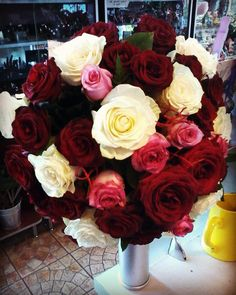 XXL #bouquet for a great #love #roses #rosesbouquet #redroses  #whiteroses… White Roses, Pink Roses, Flowers Delivered, Rose Bouquet, Instagram Posts, Plants, Bouquet Of Roses, Plant, Planets