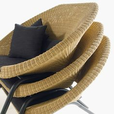 LOA is an outdoor furniture set which has been designed to offer an alternative style to the rattan products currently present on the market.Our designers paid attention to the details of the material and finishes while working on the comfort and the er…: