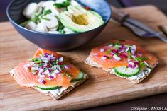 best=Crackers au Saumon Concombre Oignon Rouge Food for Love Prom Dresses Long Food For Love, Healthy Life, Healthy Eating, Food L, Crackers, Fresh Rolls, Salmon Burgers, Clean Eating, Appetizers