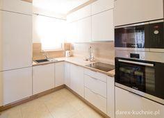 Biała kuchnia w kształcie L - Darex Kitchen Design, Kitchen Cabinets, Closet Ideas, Room Ideas, Decorating Ideas, Home Decor, Kitchen Wood, Kitchens, White Doors