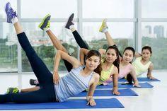 Star-Workout: Übungen für schlanke BeineOb im Bikini, im Mini-Rock oder in engen Jeans – Schauspielerin Julianne Hough macht in allem eine
