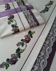 Huzurlu akşamlar . . . . #çeyiz #dantel #nakış #kanevice #mavispiko #izmir #çeyizhazırlığı #nevresimtakımı #tasarım #texstiles #embroidery #art #crochet#desing #crossstitching