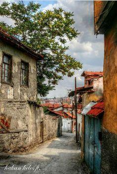 Ankara Watercolor Landscape, Landscape Paintings, Turkish Architecture, Earth Photos, Urban Sketching, Historic Homes, Beautiful Paintings, Old Houses, Ankara