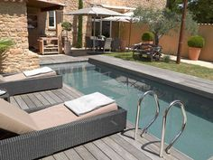 jolie piscine carré béton de rêve