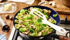 Rosenkohlblättchen mit Champignons - sehr, sehr fettarm und kalorienarm :) - https://www.maggi.de/rezepte/saison/rosenkohlblaettchen-mit-champignons