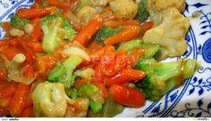 1) Pokud máme zeleninu čerstvou, tak ji na chvíli necháme spařit v páře nebo uvaříme, aby změkla. Mraženou zeleninu jen rozmrazíme. 2)...