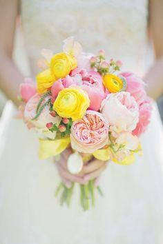 cheerful yellow and pink garden rose, ranunculus and peony bouquet by Holly Bryan Floral and Botanical Design #weddingflowers