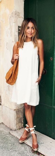 Throw on a simple slip dress with a pair of espadrilles to be easy and comfy cute! This style is great for weekend exploring around town, running errands or lunch dates! Where would you sport this ensemble?
