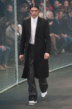 givenchy-fw14_fy37
