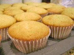 Receita básica de cupcake • Cupcakes, bolinhos e outras delícias