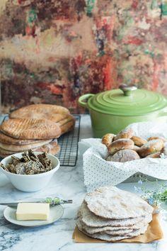 4 dl grahamjauhoja n Freshly Baked, Bread Baking, Bread Recipes, Sweet Recipes, Homemade, Food, Bread Making, Home Made, Essen