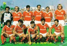 Bento, Nunes, Bastos Lopes, Oliveira, Álvaro e Manniche.  Pietra, José Luís, Veloso, Diamantino e Carlos Manuel.