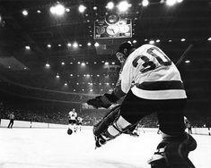 Philadelphia goalie Bernie Parent waits to see in a 1969 game against the Black Hawks at Chicago's Stadium. Hockey Teams, Ice Hockey, Bernie Parent, Philadelphia Sports, Field Of Dreams, Vancouver Canucks, Hockey Cards, Nhl, Hawks