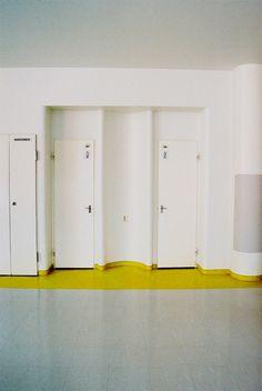 Alvar Aalto, Paimio Sanatorium Architecture Details, Interior Architecture, Interior Design, Functionalism, Rest Room, Alvar Aalto, Plaster Walls, Commercial Design, Helsinki