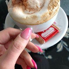Marlenes sunday startup... :-) #instagood  #tweegram #photooftheday #enjoythejourney #cute  #gorgeous  #adorable #contestgram #girlsgame #girlsstuff #instamood #instaday #style #oodtmagazine #instagramdaily #instahub #amazing #cappuccino #coffee #sunday #startup #marlenebitzer #Padgram