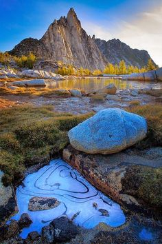 Photos Hub: Enchantment Lake Area of Alpine Lakes Wilderness, Washington State