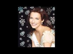 Silver Bells- Martina McBride (lyrics & slideshow)