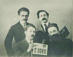 Man Ray - Andre Breton, Paul Eluard, Rene Hilsum et Louis Aragon, 1920 - Moved to Paris in 1921 and was introduced by Duchamp to Breton and his circle. Participated in the Dada and Surrealist movements with paintings, assemblage-objects and photographs Man Ray, Tristan Tzara, Francesca Woodman, Harlem Renaissance, Andre Breton, Philippe Soupault, Vintage Men, John Heartfield, Dada Artists