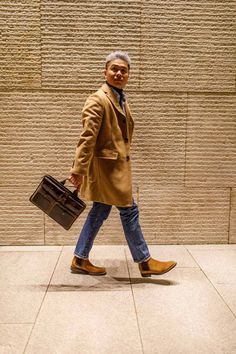 If you're looking for smart casual outfits for men, then this article is for you. It breaks down the smart casual dress code & has winter style inspiration. Smart Casual Outfit, Casual Outfits, Men Casual, Fall Outfits, Cold Weather Fashion, Winter Fashion, Camel Coat Men, Dress Code Casual, Fashion Essentials
