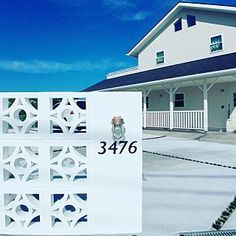 Surf House, My House, Besser Block, Boundary Walls, American Houses, California Style, West Coast, Entrance, Surfing