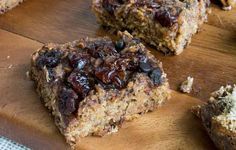 Crock-Pot Personalized Baked Oatmeal Bars http://www.prevention.com/eatclean/crockpot-energy-bar-recipes/slide/3