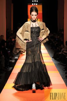 Jean Paul Gaultier Spring-summer 2013 - Couture - http://www.flip-zone.net/fashion/couture-1/fashion-houses/jean-paul-gaultier