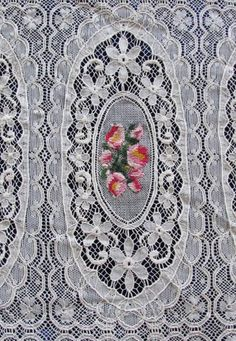 Ooh La La French Antique Lace & Petitpoint ROSES Coverlet
