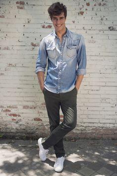 #smitzy #smitzystyle #inspiredbythegreatest #wemakechinoscoolagain #madeinspain #smitzysocial #perfectfit #chinopants #pants #chinos #trousers #pantalones #men #mensfashion #menswear #FashionPost #menwithstyle #Fashion #Style #StyleBlogger #swag #gentleman #estilo #preppy #spain #model #green #madrid #outfit #olive