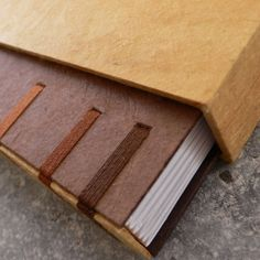 Scrap, Book Binding, Creations, Bookbinding Ideas, Crafts, Hobbies, Books, Diy, Notebooks
